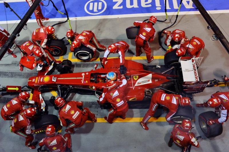 large_f1-race-13.jpg